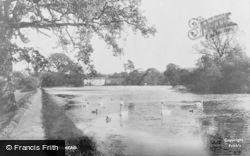 Leatherhead, Mill Pond 1909