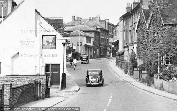 Photo of Leatherhead, The Running Horse, Bridge Street c.1950