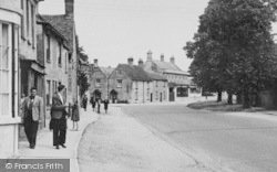 Lechlade, Oak Street c.1955, Lechlade On Thames