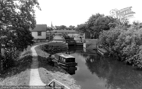 Photo of Lechlade, St John's Lock c.1960