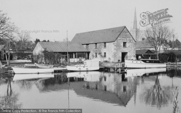 Photo of Lechlade, Tea Gardens And The Thames c.1960