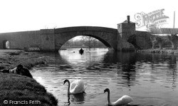 Lechlade, The Bridge c.1960, Lechlade On Thames