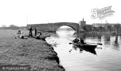 Lechlade, The River Thames c.1955, Lechlade On Thames