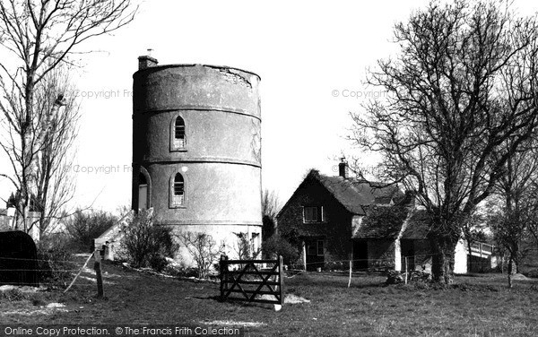 Photo of Lechlade, The Round House c.1955
