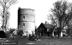 Lechlade, The Round House c.1955, Lechlade On Thames