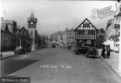 Ledbury, Barrett Browning Memorial And Market House c.1938