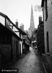 Ledbury, The Prince Of Wales And Church c.1950