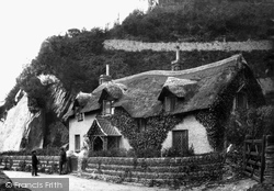 Old Maid's Cottage 1890, Lee