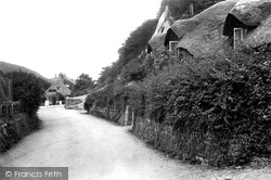 Old Maid's Cottage 1911, Lee