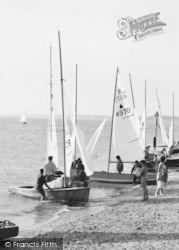 Lee On The Solent, Sailing Dinghies c.1960, Lee-on-The-Solent
