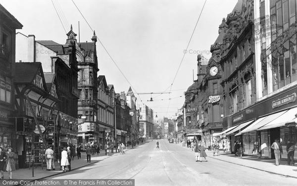 Photo of Leeds, Briggate 1951
