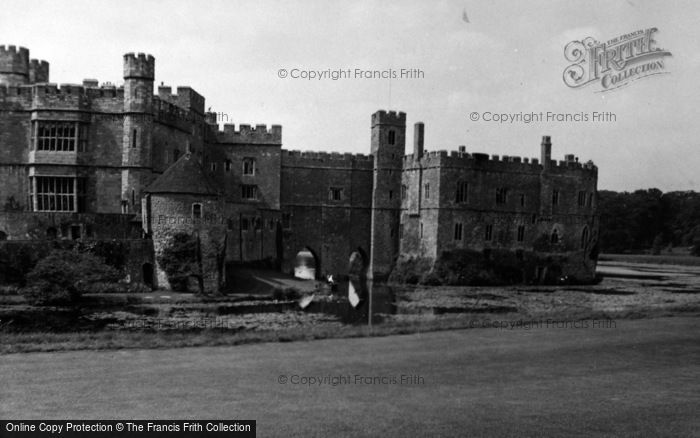Photo of Leeds, Castle 1954