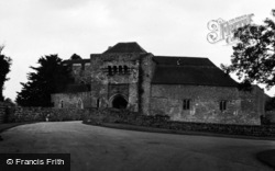 Castle 1954, Leeds