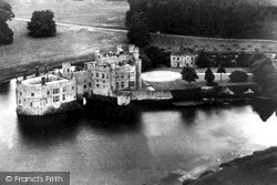 Castle c.1955, Leeds