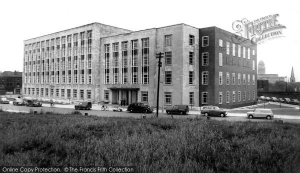 Photo of Leeds, Houldsworth Building c.1960