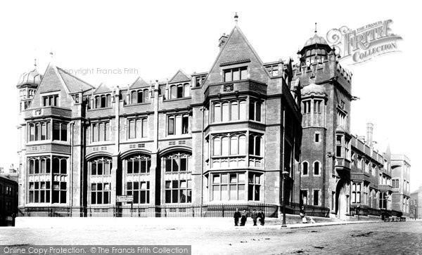 Photo of Leeds, New Medical Hall 1894