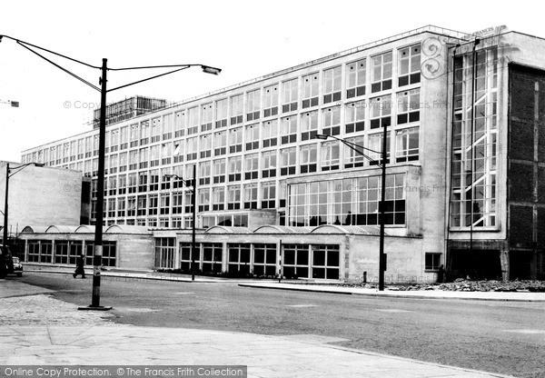Photo of Leeds, The Engineering Building c.1960