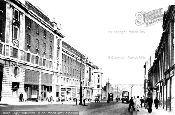 Photo of Leeds, The Headrow c.1955