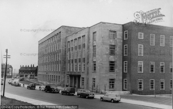 Photo of Leeds, The Houldsworth Building c.1960