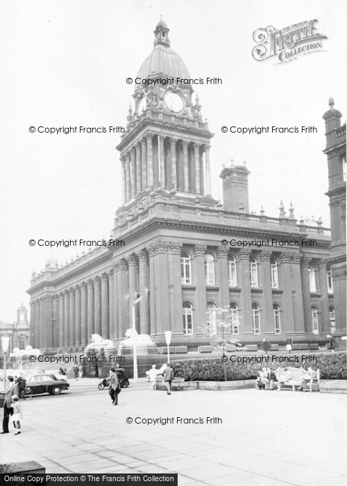 Photo of Leeds, The Town Hall c.1960
