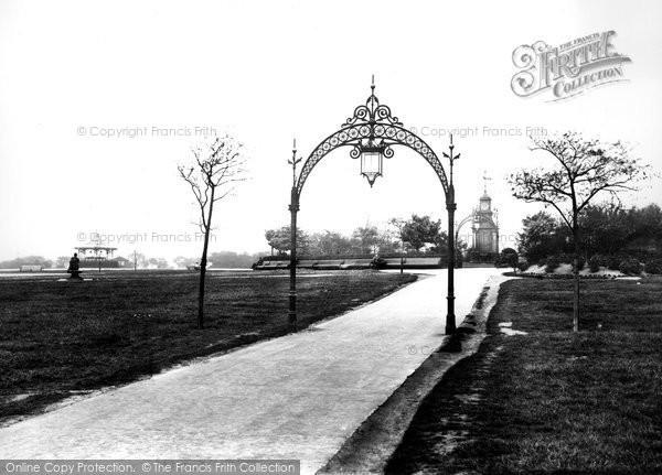 Photo of Leeds, Woodhouse Moor 1897