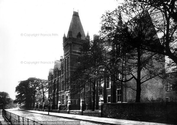 Photo of Leeds, Yorkshire College 1888