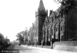 Leeds, Yorkshire College 1894