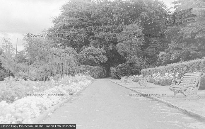 Photo of Leek, Borough Park c.1935