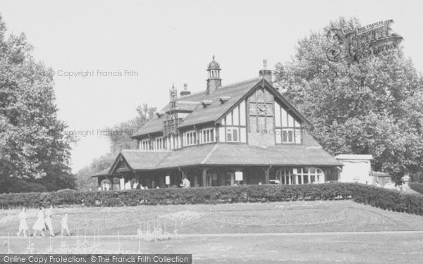 Photo of Leicester, Abbey Park Pavilion c.1955