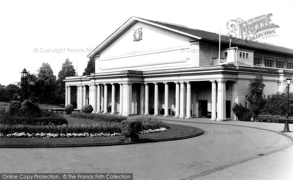 Photo of Leicester, De Montfort Hall, Regent Road c.1965