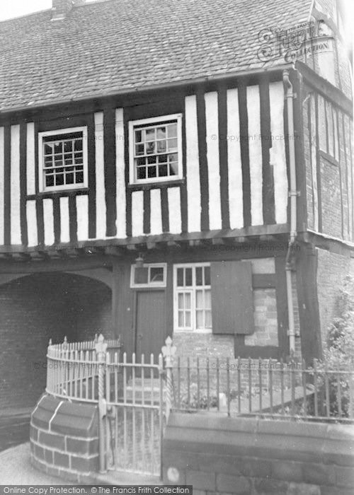 Photo of Leicester, Gate House c.1955