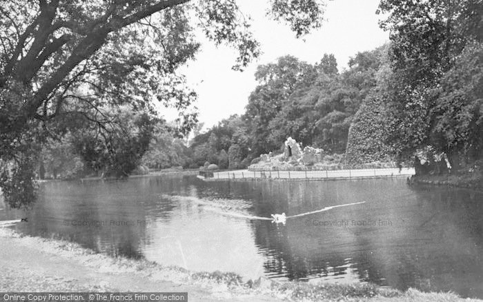 Photo of Leicester, The Lake, Abbey Park c.1950