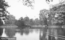 Leicester, The Lake, Abbey Park c.1950