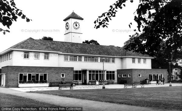 Photo of Leicester, The Pavilion, Victoria Park, London Road c.1965