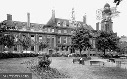 The Town Hall c.1950, Leicester