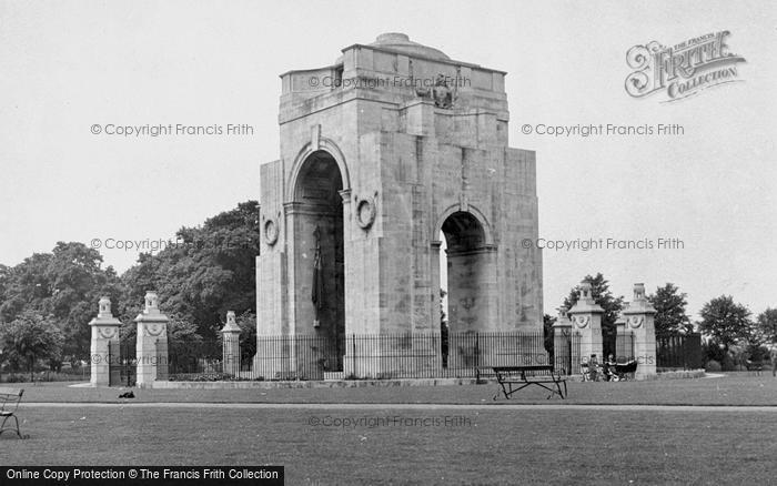 Photo of Leicester, The War Memorial, Victoria Park c.1950