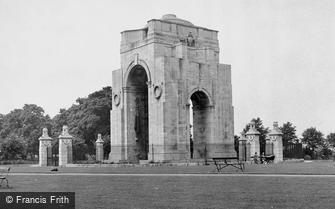 Leicester, the War Memorial, Victoria Park c1950