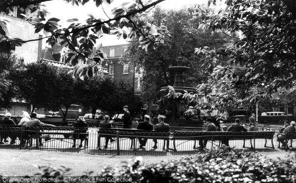 Photo of Leicester, Town Hall Gardens c.1965