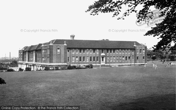 Leicester, Wyggeston Girls School c1950