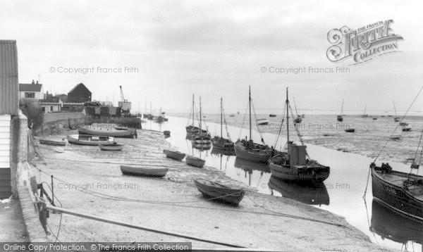 Leigh-on-Sea © Copyright The Francis Frith Collection 2005. http://www.francisfrith.com