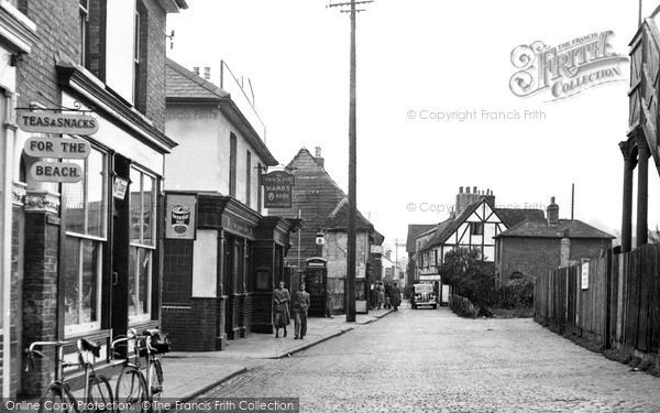 Photo of Leigh-On-Sea, High Street c1950, ref. L30024