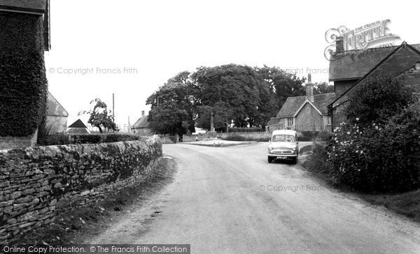 Photo of Leigh, The Cross c.1960
