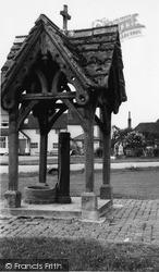 Village Pump c.1955 , Leigh