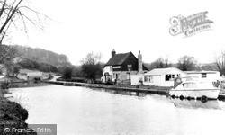 The Canal And Globe Inn c.1965, Leighton Buzzard