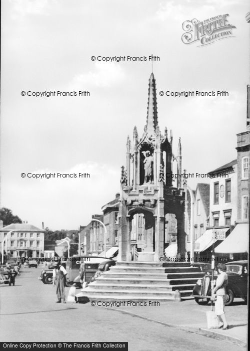Photo of Leighton Buzzard, The Cross c.1955