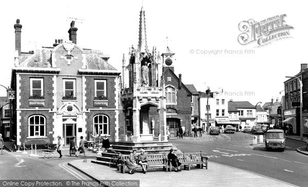 Photo of Leighton Buzzard, The Cross c.1965