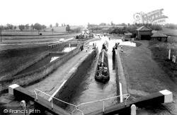 The Three Locks c.1955, Leighton Buzzard
