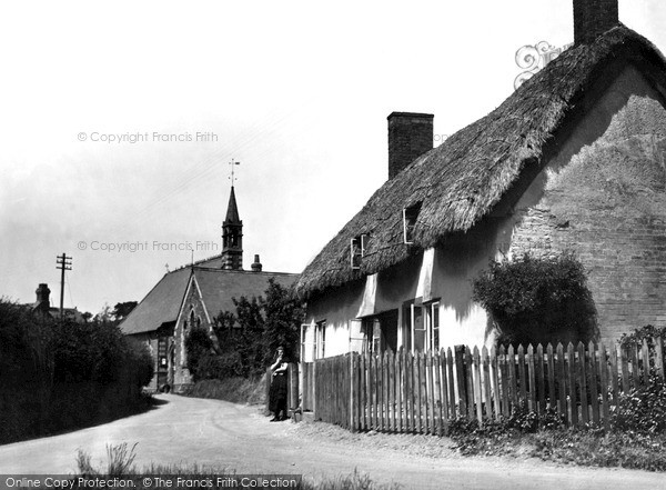 Leintwardine, Old Cottages c1950