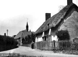 Old Cottages c.1950, Leintwardine