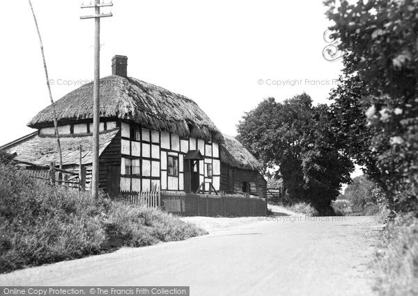 Leintwardine, Thatched Cottage c1955